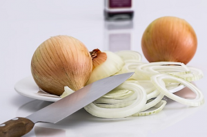 can dogs eat onions